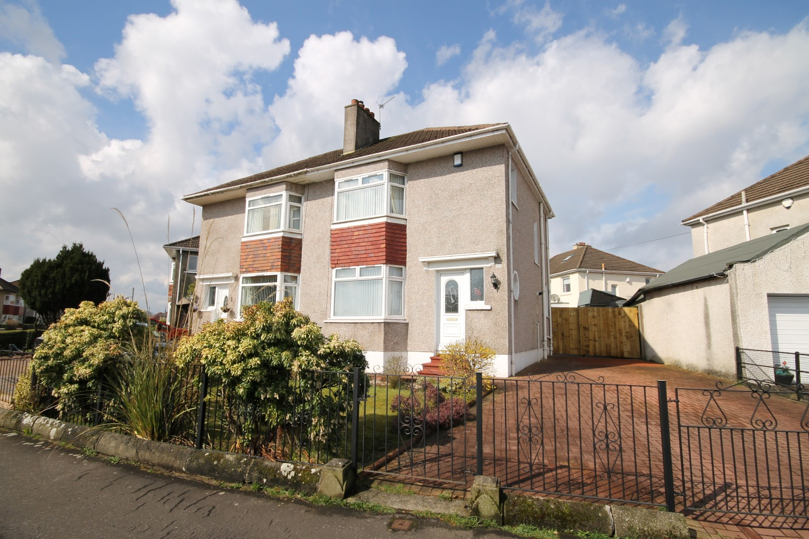 GARROWHILL – 3 Bedroom Semi-Detached