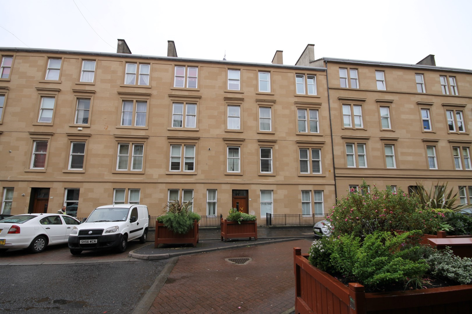 DENNISTOUN – 2 Bedroom Flat