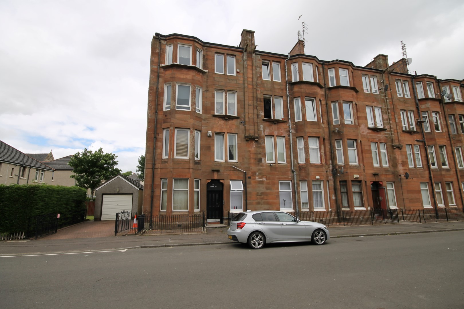 BAILLIESTON – 1 Bedroom Flat