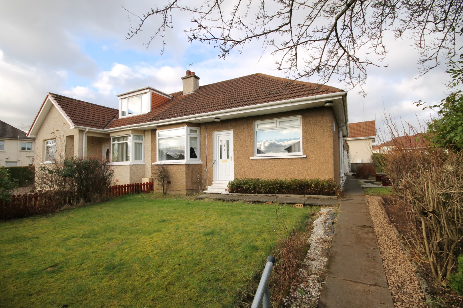 BAILLIESTON – 2 Bedroom semi-detached bungalow