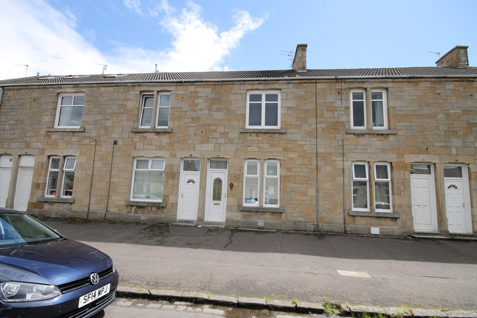 LARKHALL – 1 Bedroom Lower Cottage Flat