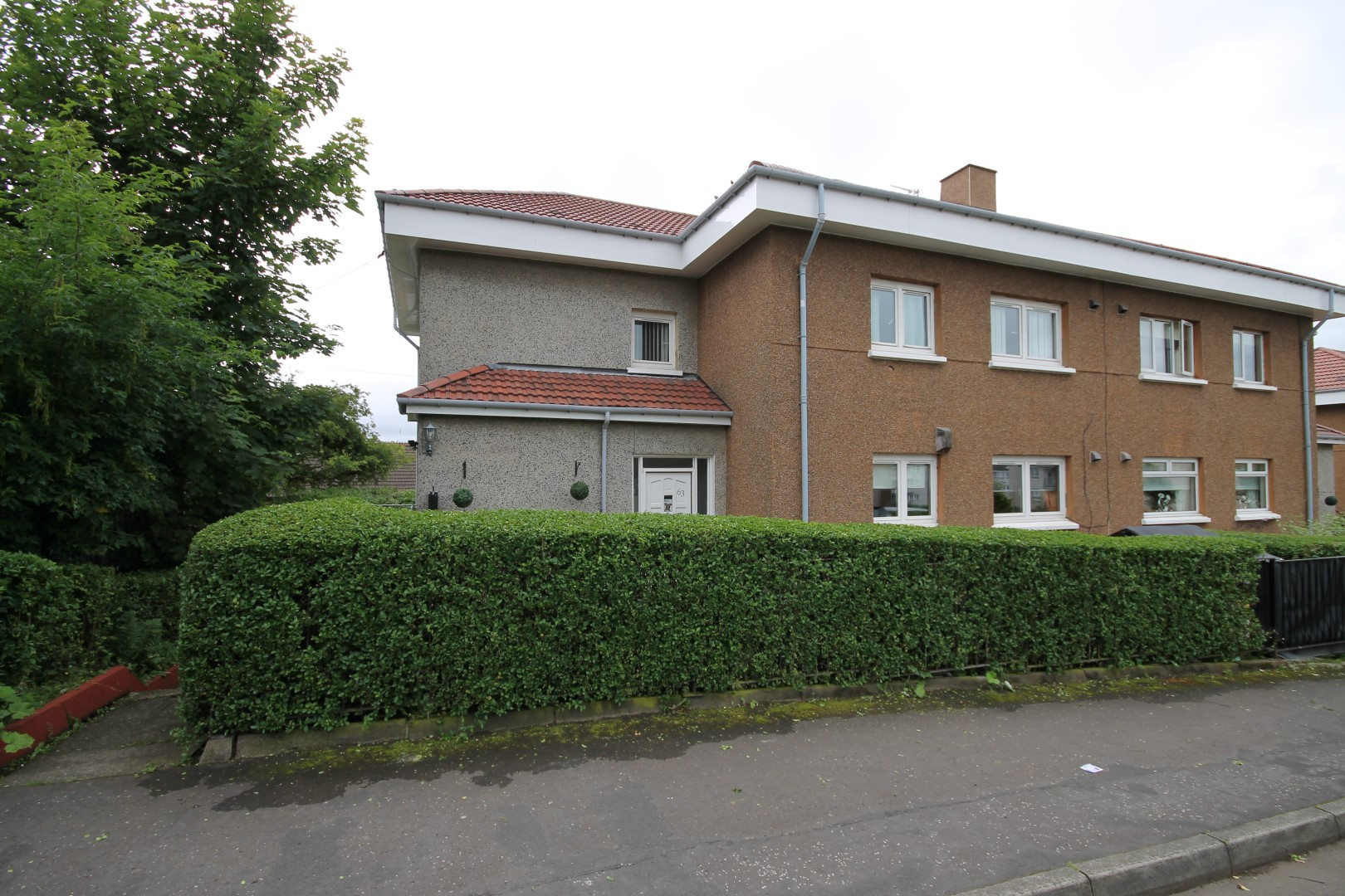 BARMULLOCH – 3 Bedroom Flat