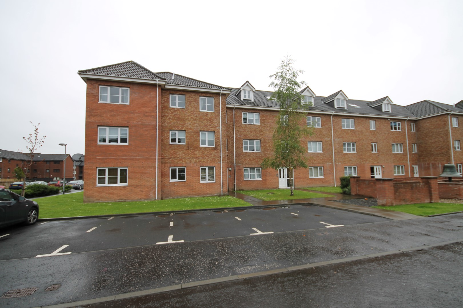 BRIDGETON – 2 Bedroom Unfurnished Flat
