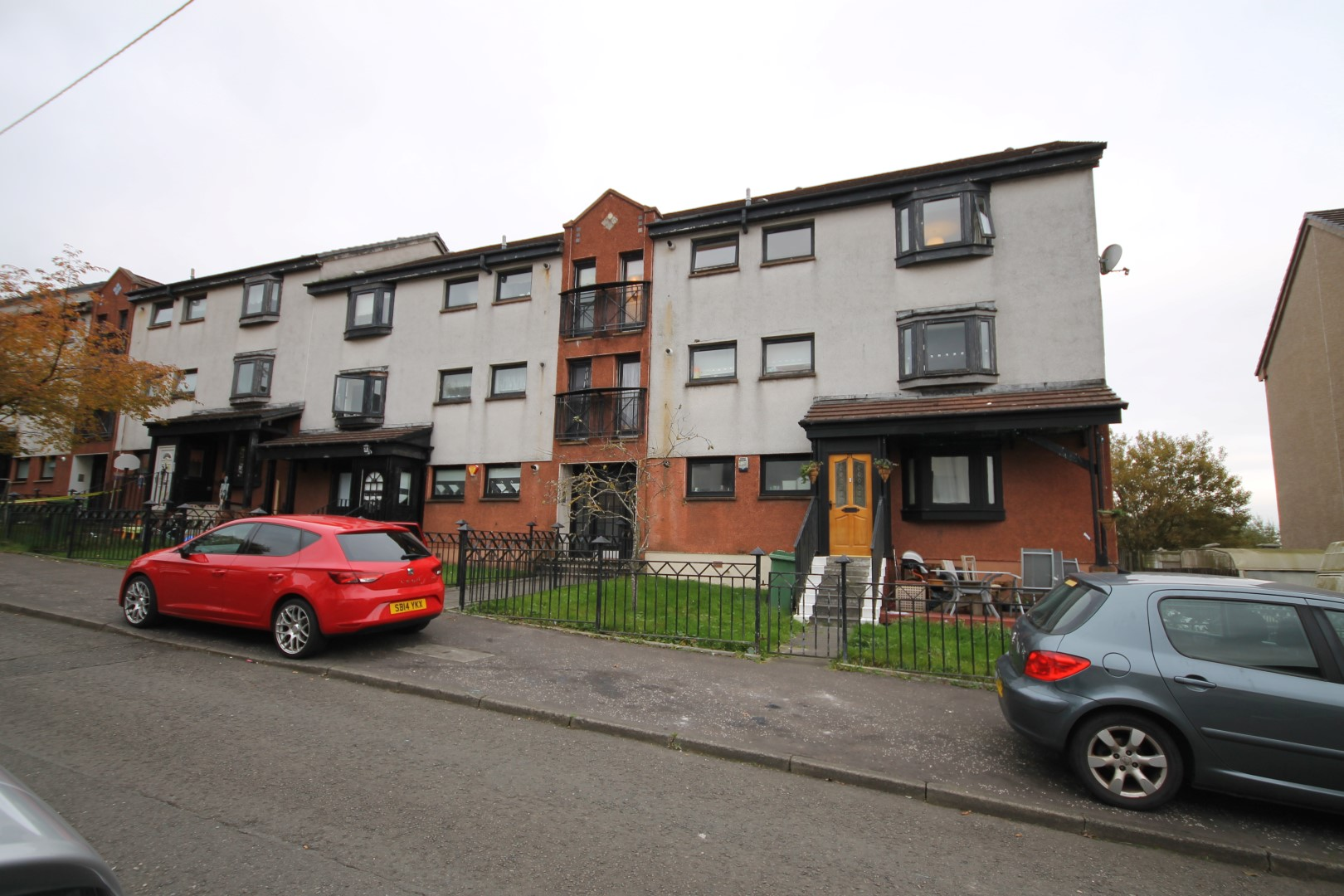 EASTERHOUSE – 3 Bedroom Flat