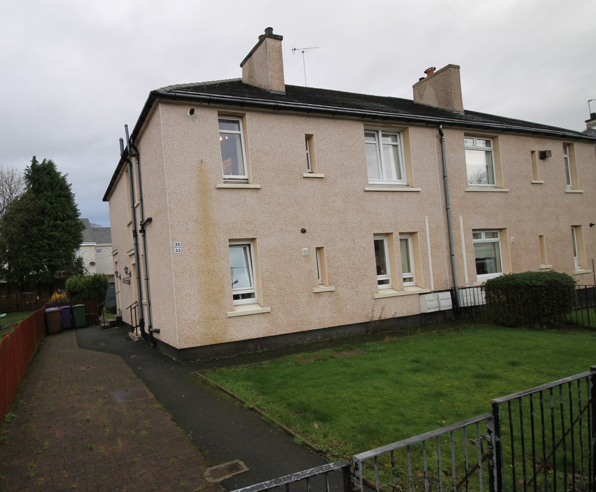 CARMYLE – 2 Bedroom Upper Cottage Flat