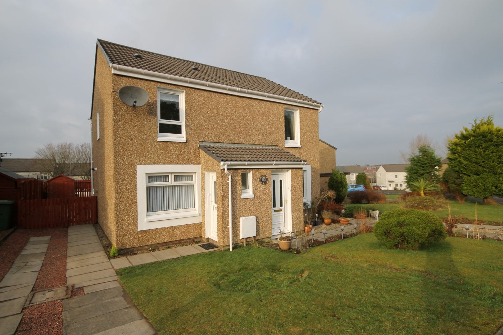 EAST KILBRIDE – 2 Bedroom Semi-Detached