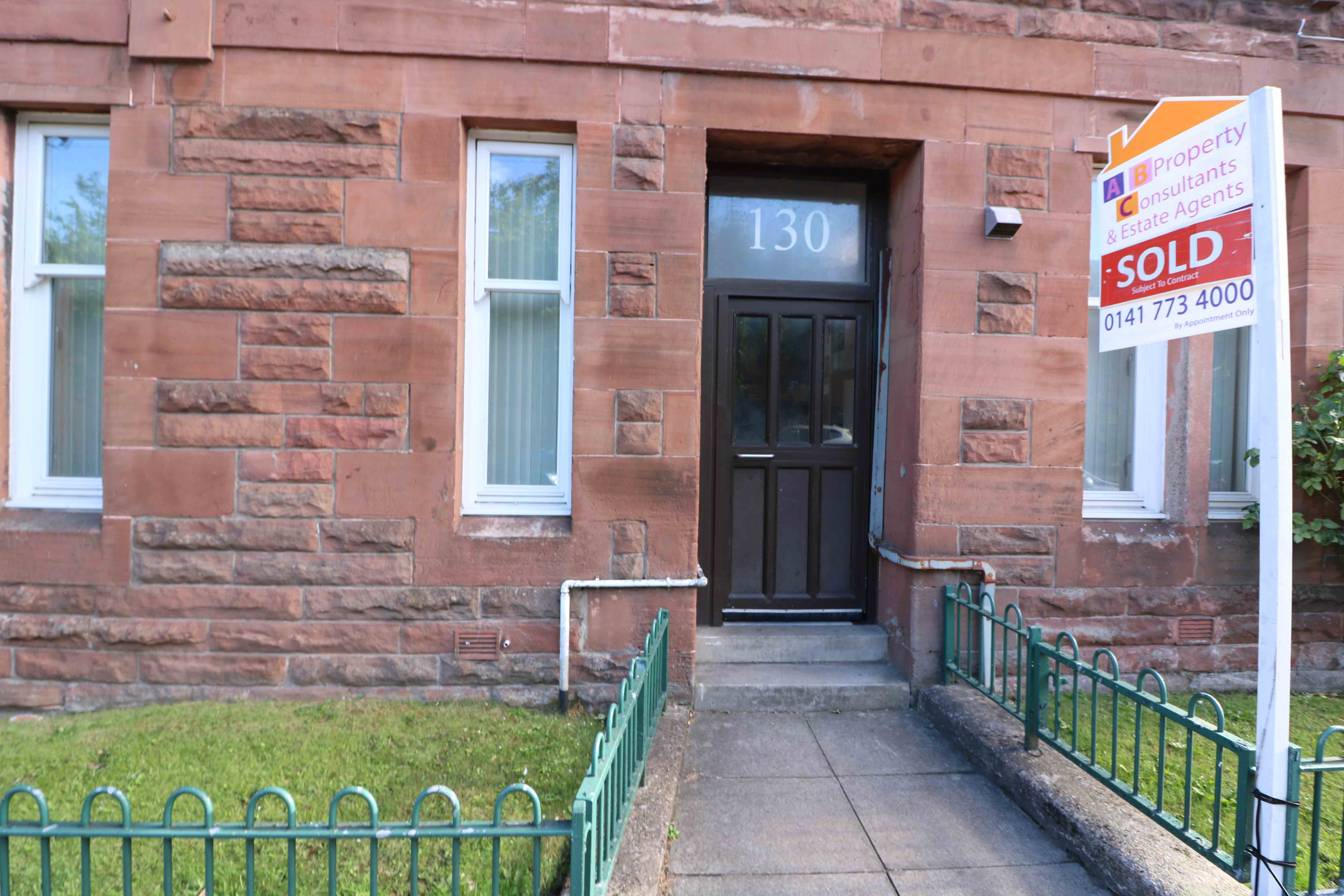 3 Bedroom Flat – Budhill Avenue – Budhill