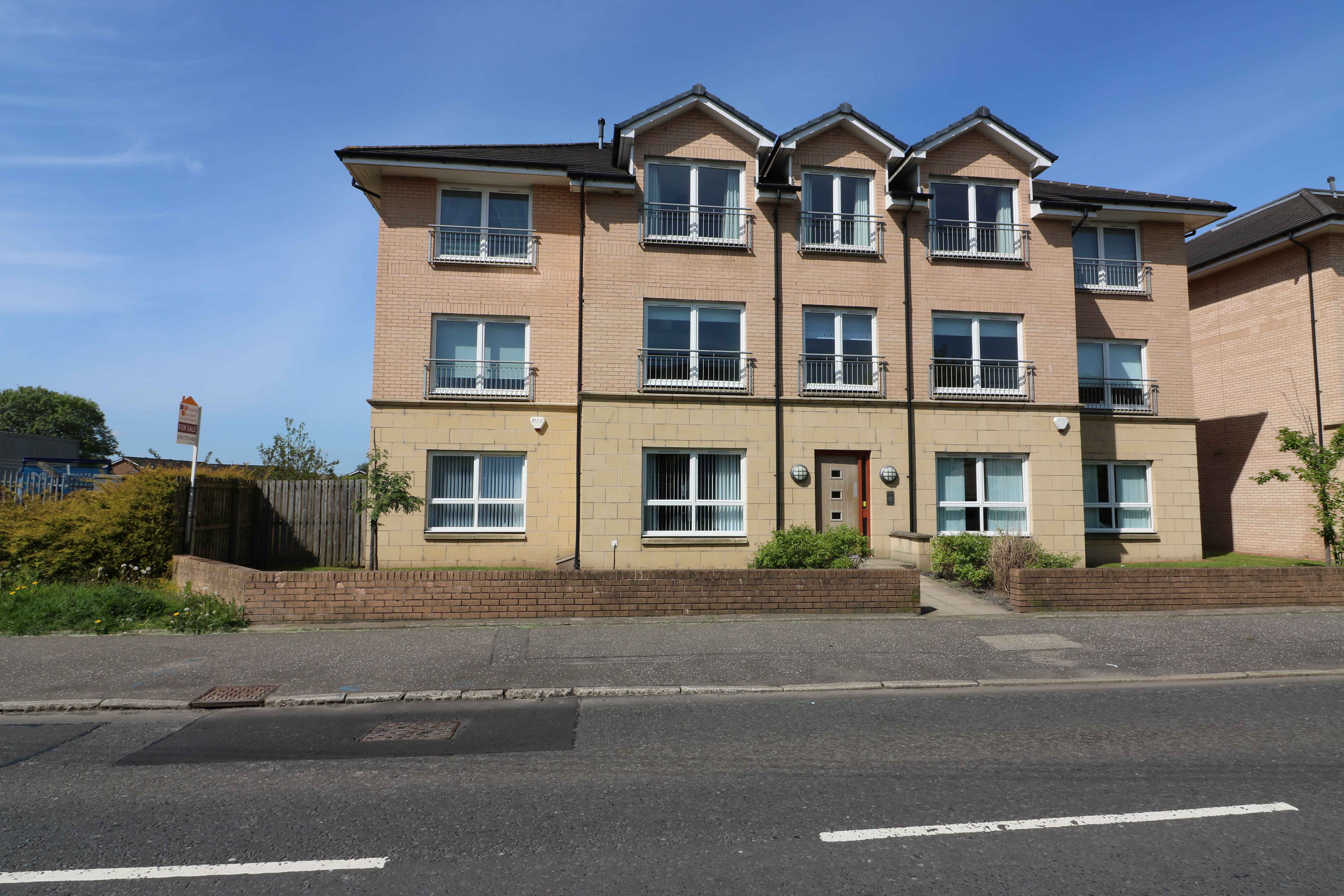 2 Bedroom Second Floor Flat – Carmyle Avenue, Mount Vernon