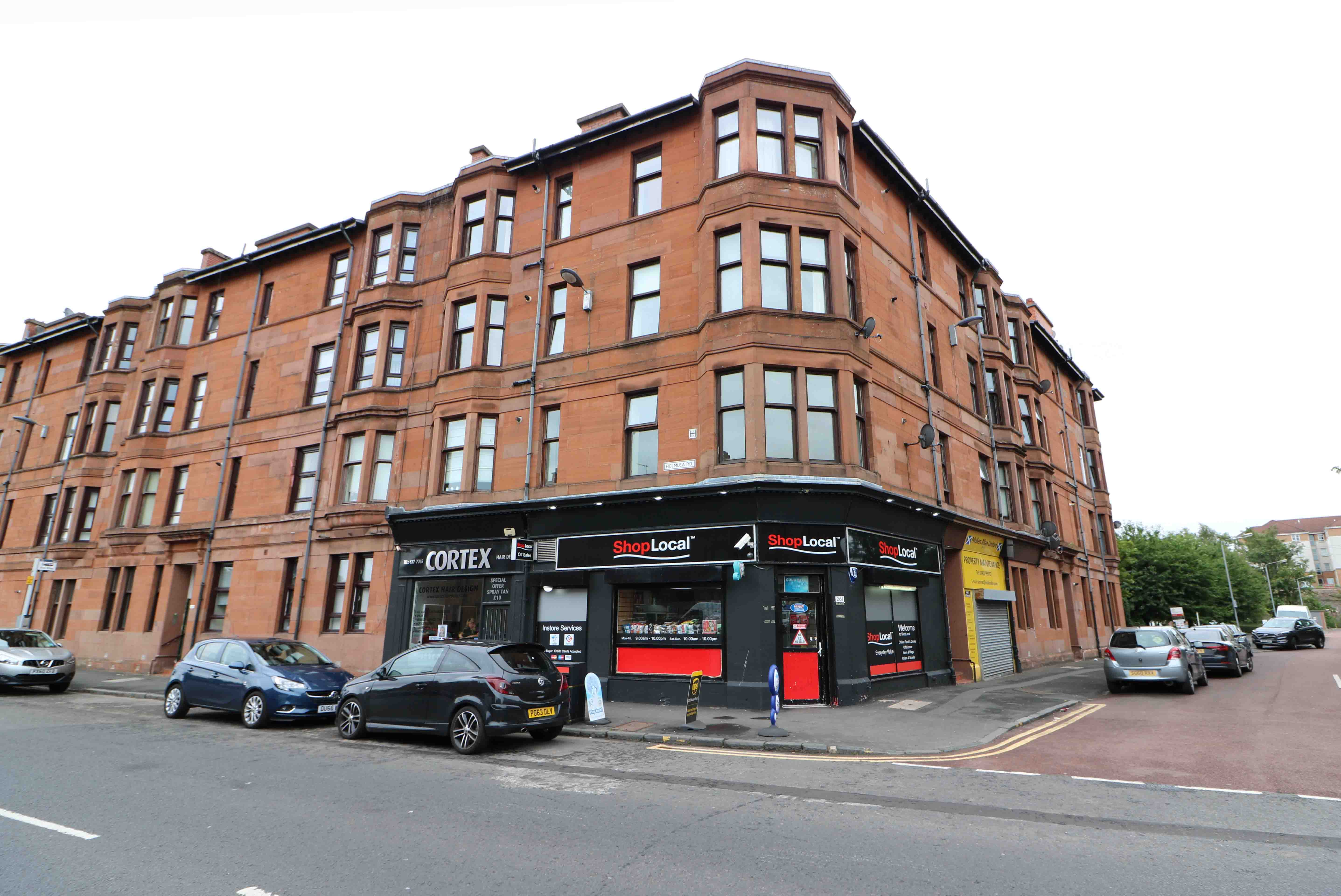 2 Bed First Floor Flat - Greenholme Street, Cathcart