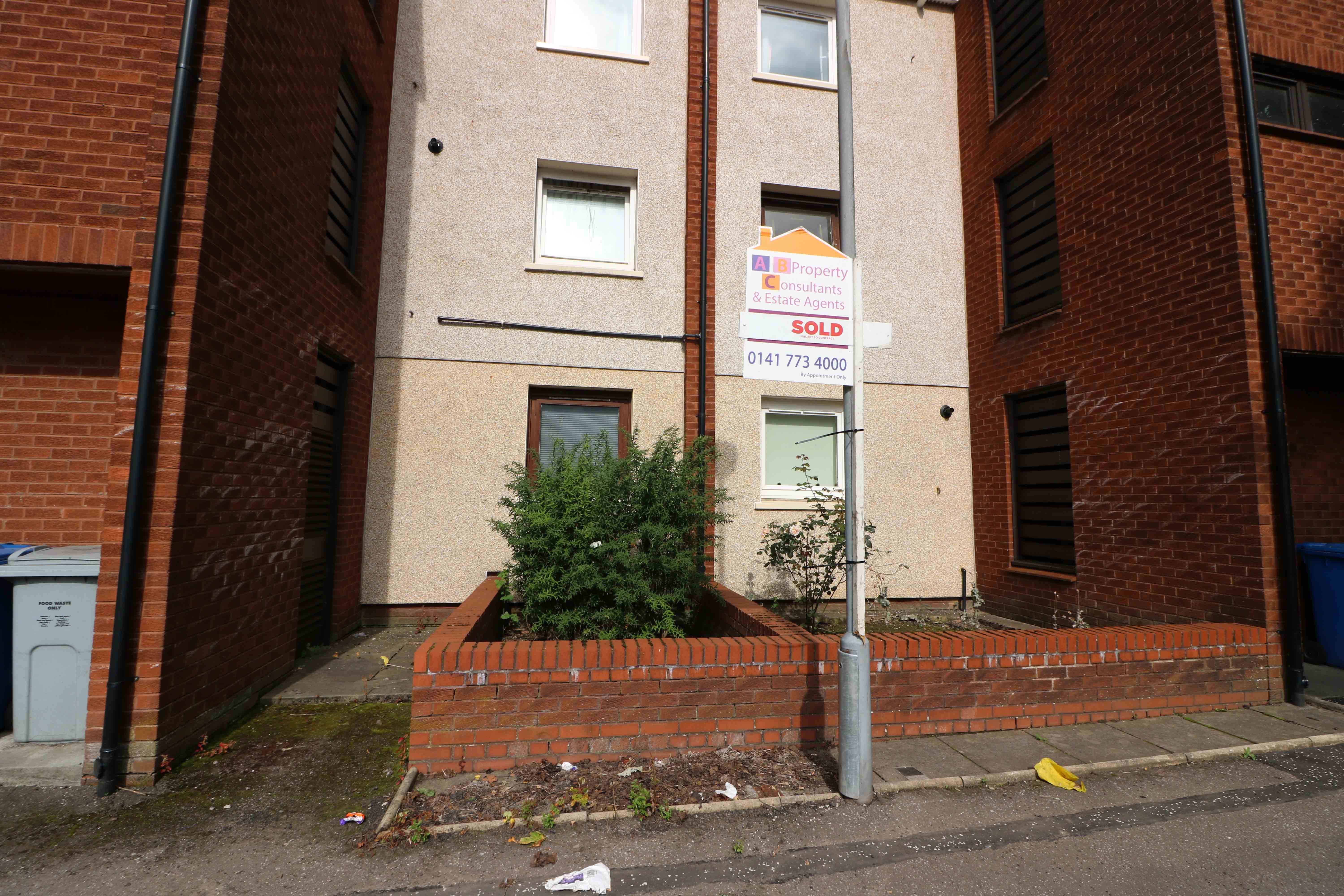 1 Bed Ground Floor Flat – Corbett Street, Tollcross