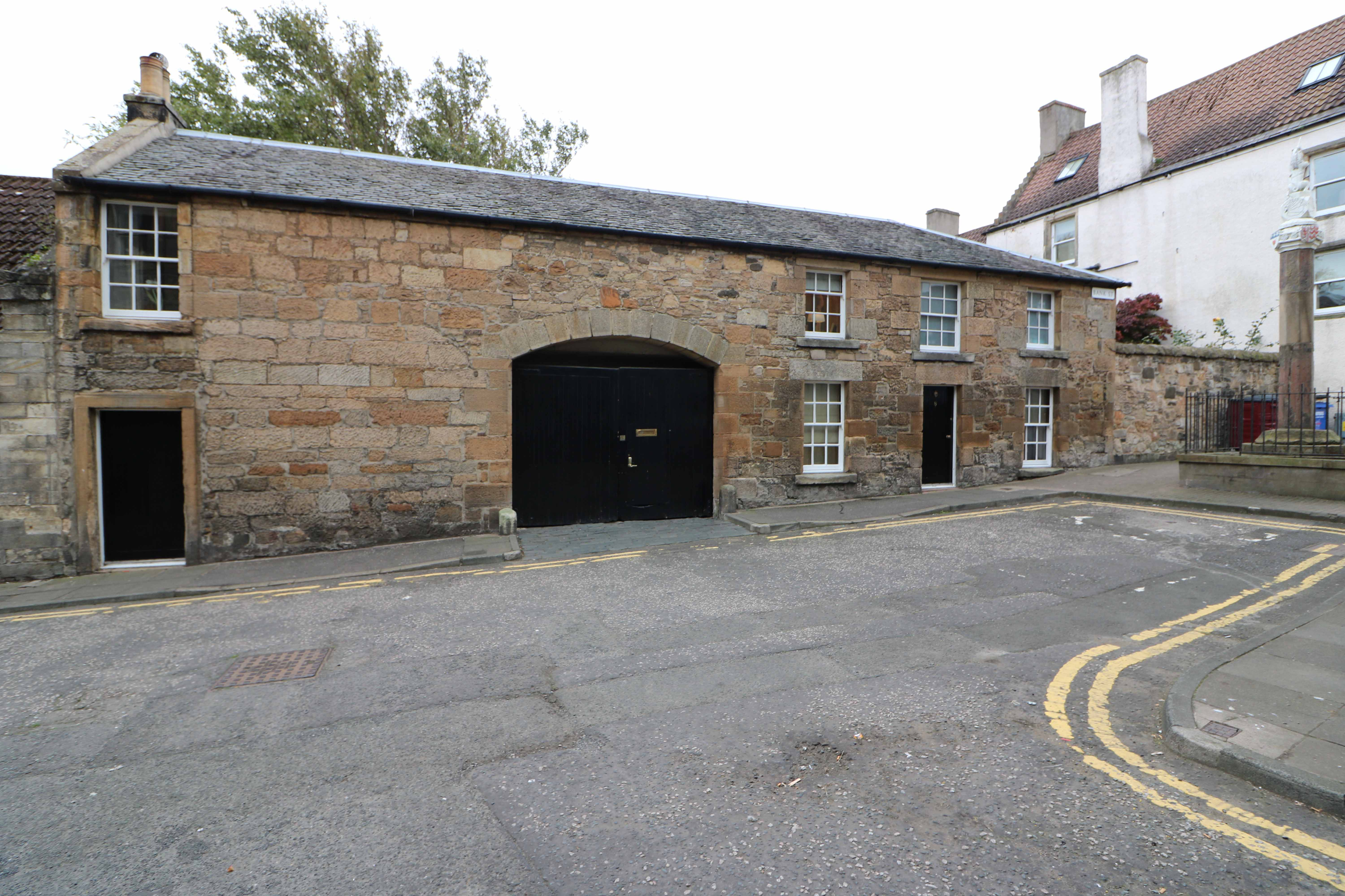 4 Bed Stone Cottage - Park House Stables, Bank Street, Inverkeithing