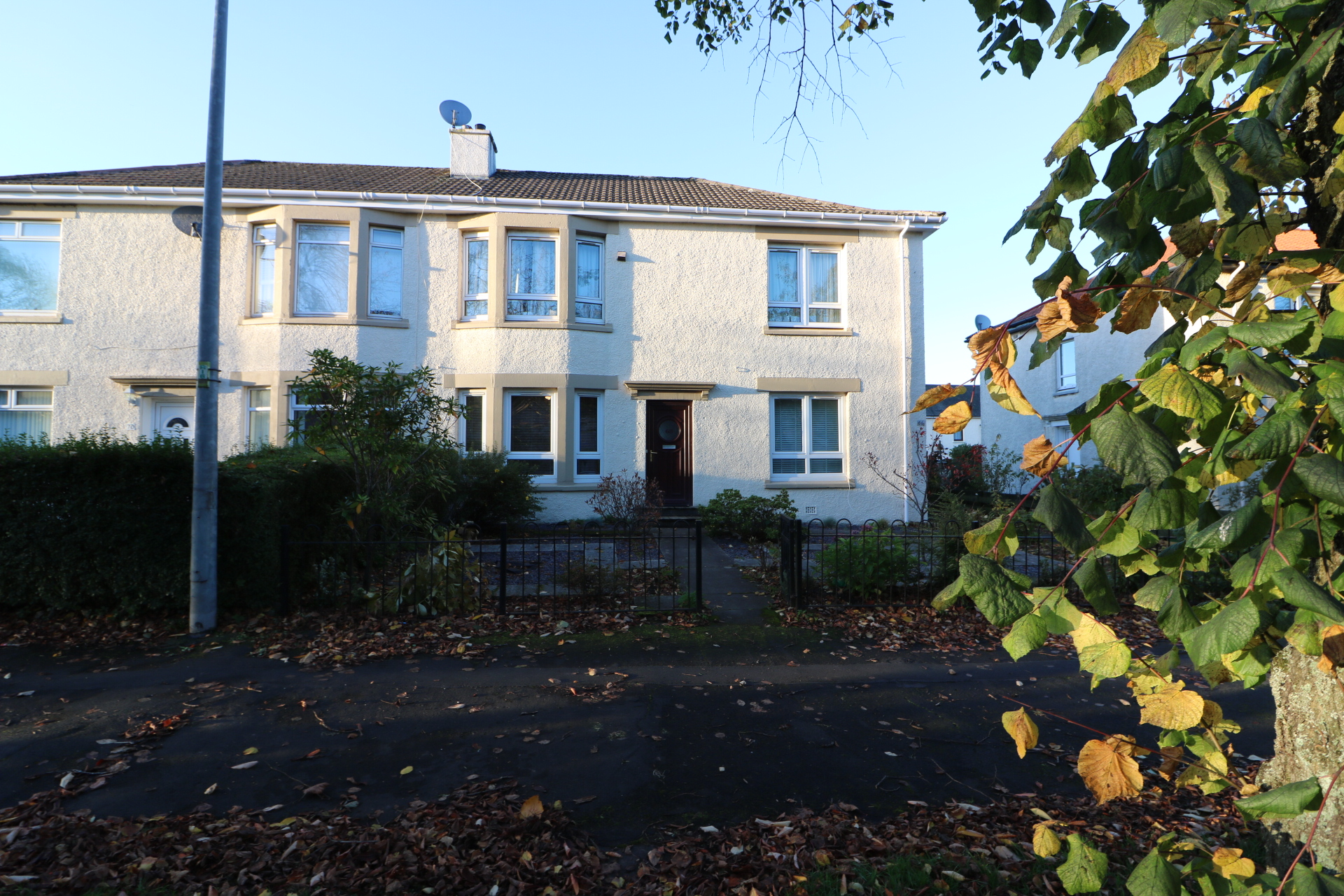 PART OR UNFURNISHED - 2 Bed Lower Flat - Knightswood
