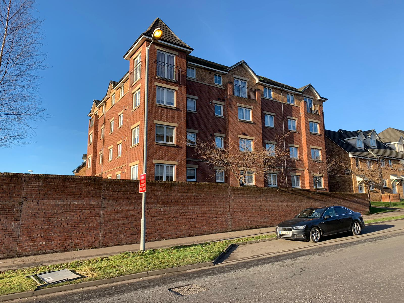 2 Bed Top Floor Flat - Rigby Drive, Carntyne